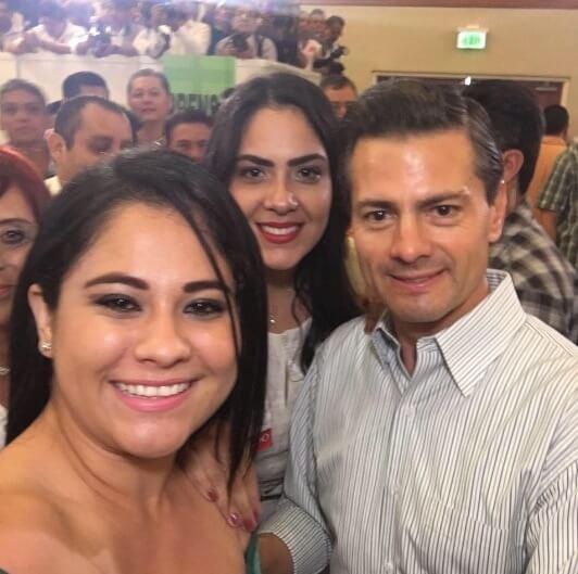 Ximena (centro) con el presidente Peña Nieto