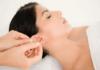Masaje de orejas: disminuye el estrés, duerme mejor y obtén más beneficios