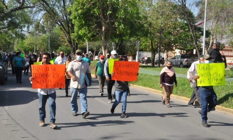 Reclaman agua potable y servicios con protesta en Victoria