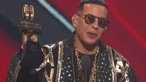 Daddy Yankee se llevó el premio Billboard Salón de la Fama.