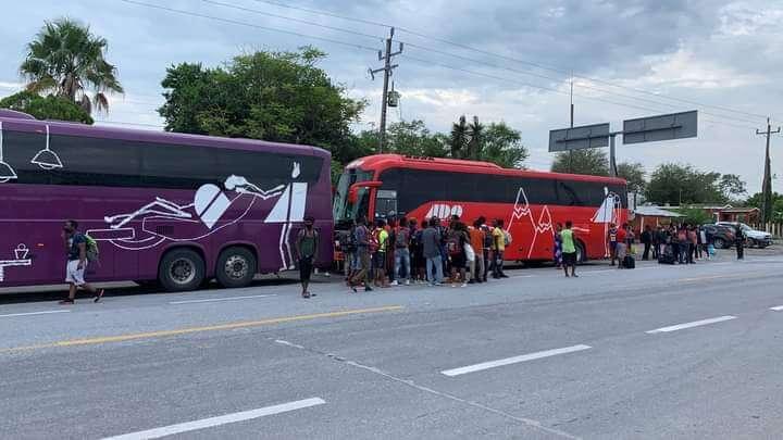 Migrantes Haitianos caminan por Tamaulipas hacia E.U.